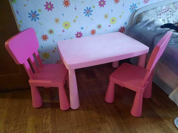 Продам стіл дитячий з стільчиками IKEA