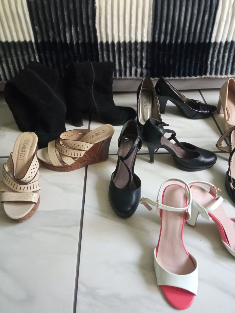 Продам жіноче взуття
