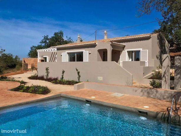 Moradia V2+1 com piscina - Lagoa – Algarve