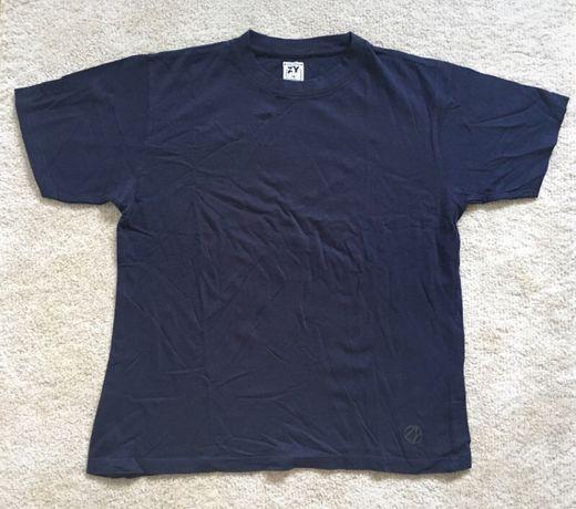 T-shirt azul escura de rapaz