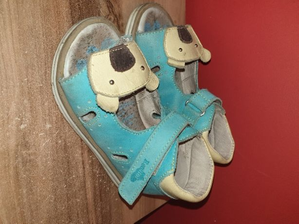 Sprzedam skórzane sandałki