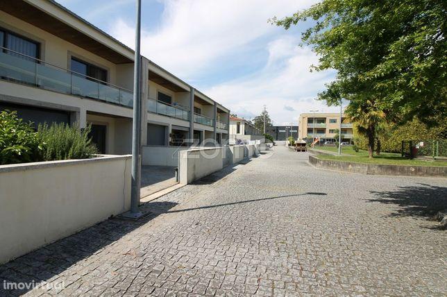 Moradia T4 em Condomínio Fechado, Nine, V. N. Famalicão