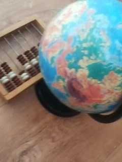 Глобус    географический  + счеты