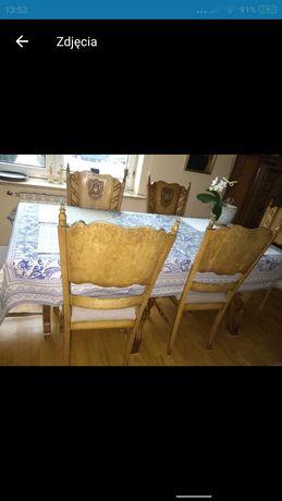 Komoda stół z krzesłami