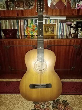 Шестиструнная гитара, раритет
