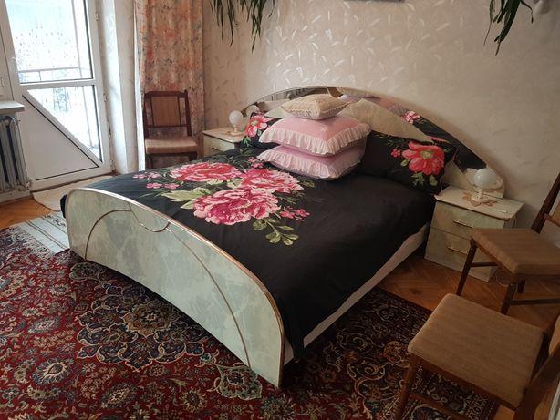 Komplet sypialnia materace szafki komoda z lustrem i duża szafa
