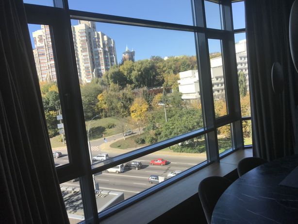 Мойка окон, витрин, панорамных окон. Уборка квартир.