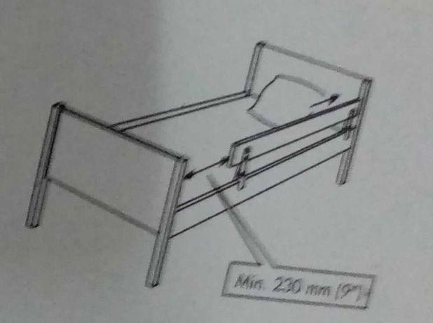 Cama branca de criança Ikea.