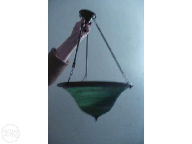 Candeeiro de tecto em ferro e vidro