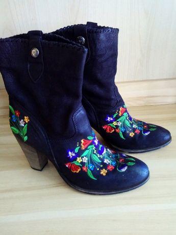 Шикарные черные деми ботинки с цветочной вышивкой, 41р италия