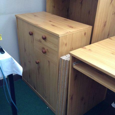 Szafka z półkami i dwoma szufladami
