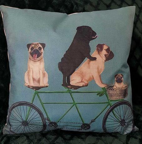Ozdobna poszewka na poduszkę vintage, bulldogi na rowerze