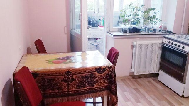 Аренда комнаты 17м.кв с комунальными для женщины  под ключ