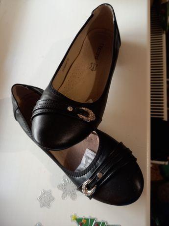 Туфли кожа черные, р.35, длина стельки 23 см