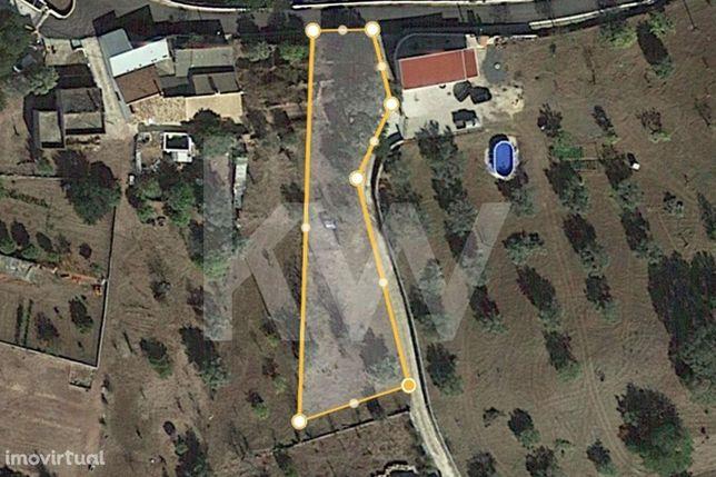 Terreno Misto com possibilidade de implementação e construção de 180m2