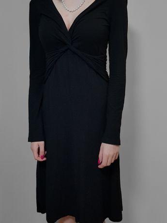 czarna sukienka do kolan