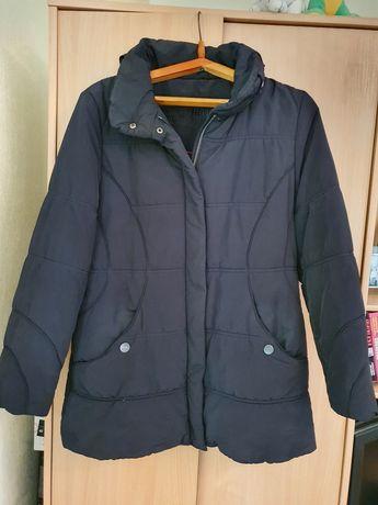 Черная куртка синтипон