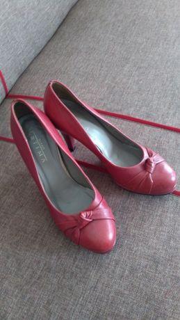 Piękne bordowe/czerwone szpilki Ryłko rozmiar 38