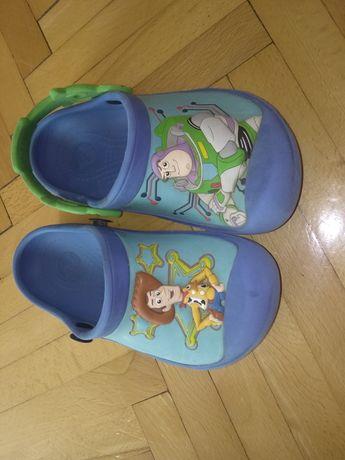 crocsy dziecięce toy story (dwa buty maja pasek)roz.10-11