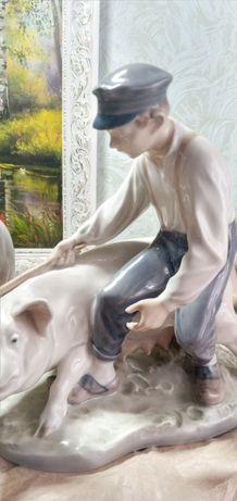 Royal copenhagen,довольно редкий свинопас