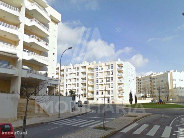 Apartamento T2 nos Jardins da Parede totalmente mobilado ...