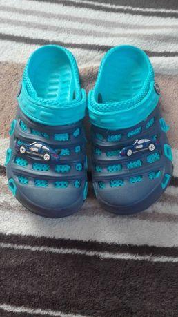 Sprzedam gumowe buty chłopięce rozmiar 30