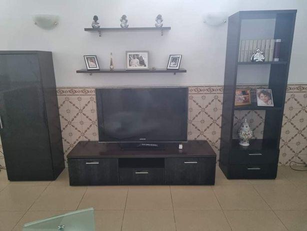 Móveis de sala cor preta