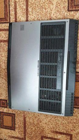 Ноутбук Alienware 17 r4 i7-6700hq, gtx 1070 8gb, ОЗУ 16 2666 Mhz