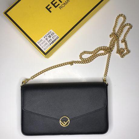 Женская сумочка fendi с серийным номером