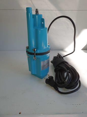 Насос для воды вибрационный глубинный скважинный погружной для Полива