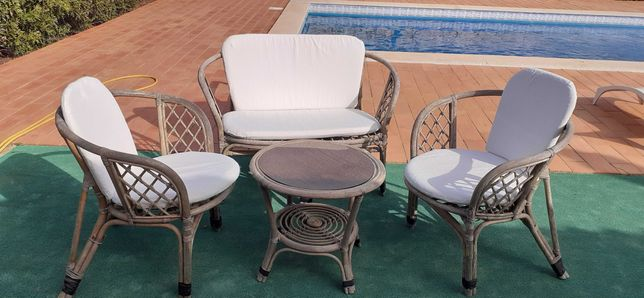 mesa e cadeiras  exterior