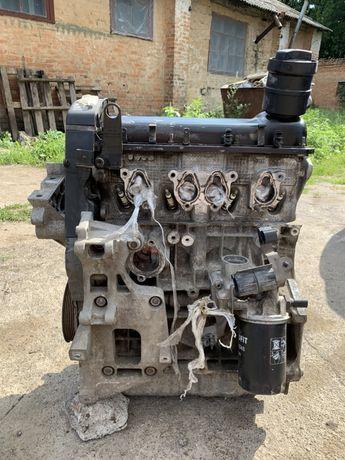 Двигатель мотор 1.6 AKL Skoda Octavia A5 Tour Voklswagen Golf IV V