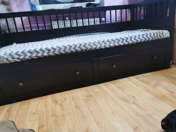 Drewniane łóżko IKEA rama