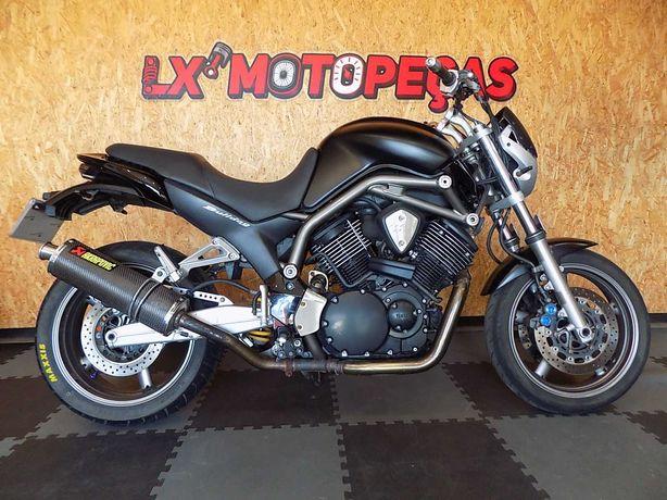 Yamaha BT1100 Bulldog ano 2007 acidentada.