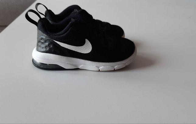 Buty Nike r.22 14cm.