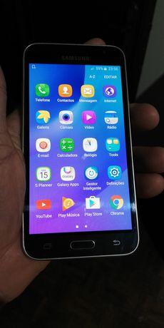 Samsung j3 2016 em bom estado tudo a funcionar perfeitamente
