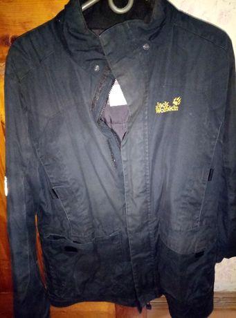 Продам демисезонную куртку для подростка