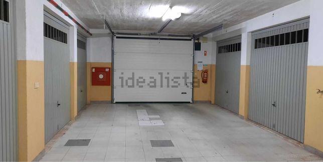 Garagem Box localizada na Charneca da Caparica