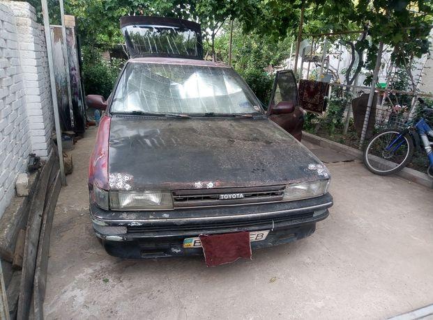 Toyota corolla E90 требует ремонта