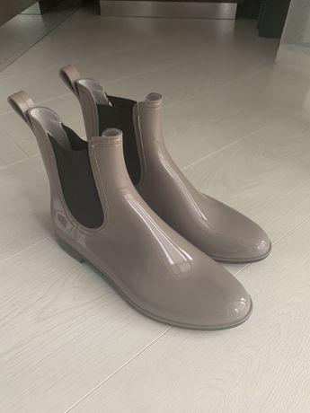 Ботинки резиновые 38 Italy