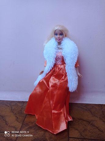 Лялька барбі з одягом зима - осінь