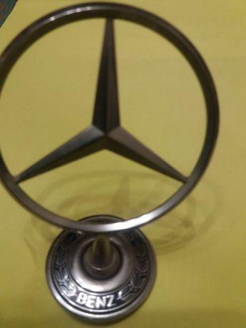 Эмблема на капот Mercedes
