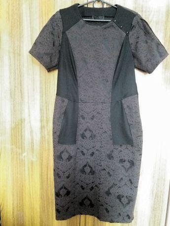 Продам женское платье-футляр.