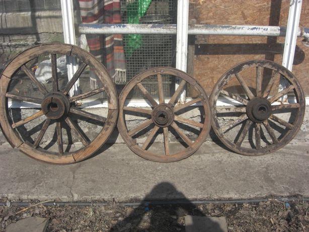 Колесо деревянное старое для декора (брычка, телега)
