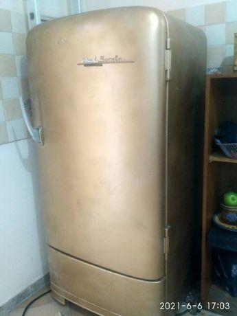 Холодильник ЗИЛ Москва золотой