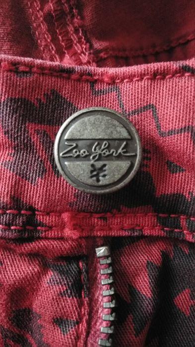 Spodnie damskie czerwone wzory ciekawy krój r. 28 Olsztyn - image 1