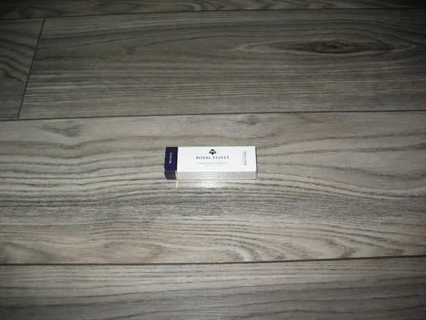 Ujędrniający krem pod oczy Royal Velvet 15 ml