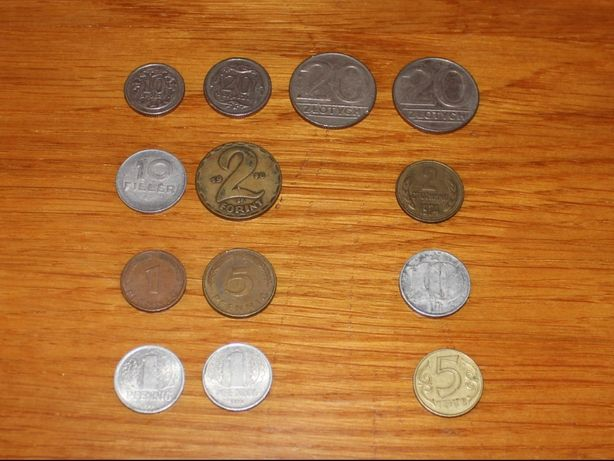13 монет из разных соцстран 1974-2000 годов