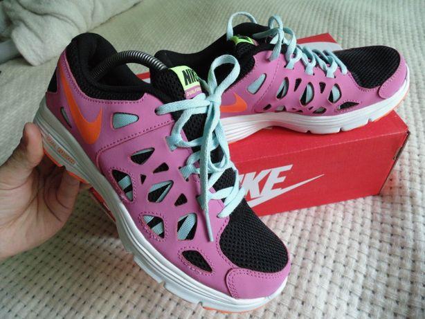 кроссовки лето Nike оригинал кожа и сетка 37 размер 24 см по стельке
