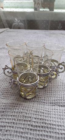 Стеклянный стаканчик в подстаканнике